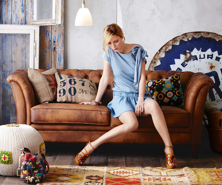 Ask D 233 Cor Diva Does Blue Go With My Brown Leather Sofas