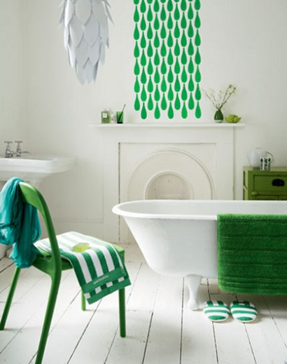 Green and white bathroom by The Sugar Monster | via Flickr