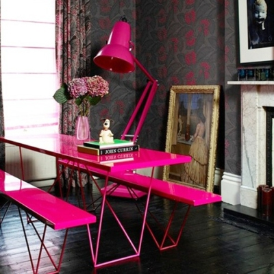 Neon Pink Dining! | By deanleber via Flickr
