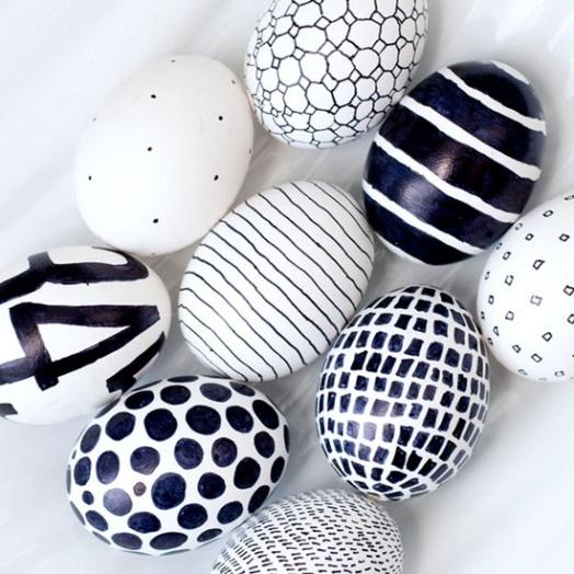 Bold Black & White Eggs | via http://obviouslysweet.com/blog/2012/04/easter-eggs/
