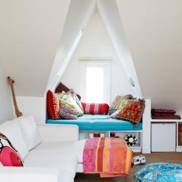via | http://www.designsponge.com/2012/04/sneak-peek-carolyn-gavin.html