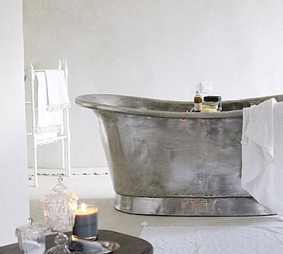 Solid copper Bateau bath with a tinned finish | via http://www.thebathworks.com/TBW2013/Copper_Bateau.html