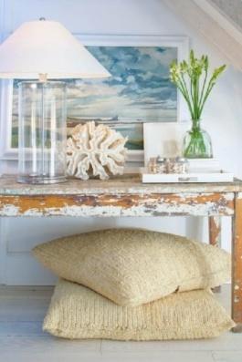 Lovely beachy vignette | via http://realestate.1stdibs.com/property/property--LI_31009