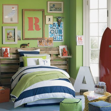 Adore the pallet headboard and all the lettering and typography! | via http://www.serenaandlily.com/Bedding/Boys-Bedding-Ronan
