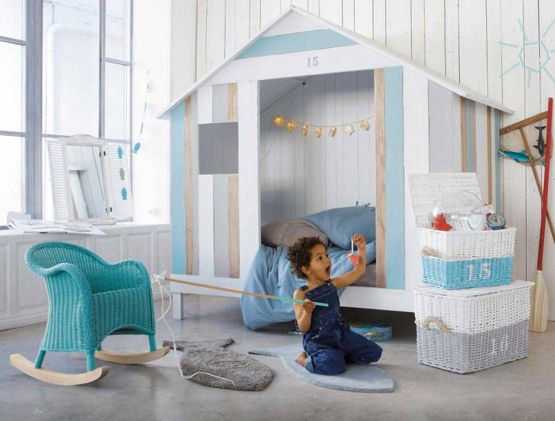 A surf shack! Love this beachy boys' room! | via http://www.maisonsdumonde.com/UK/en/produits/fiche/childs-hut-bed-white-ocan-137035.htm