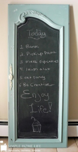 With a lick of chalkboard paint this old armoire door has been transformed into a beautifully quirky notice board! | via http://www.mysimplehomelife.com/2012/10/old-armoire-door-to-chalkboard.html