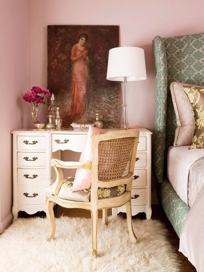 Amazing what a beautiful piece of art can do to you bedroom setting | via http://www.pinterest.com/pin/72972456432466893/