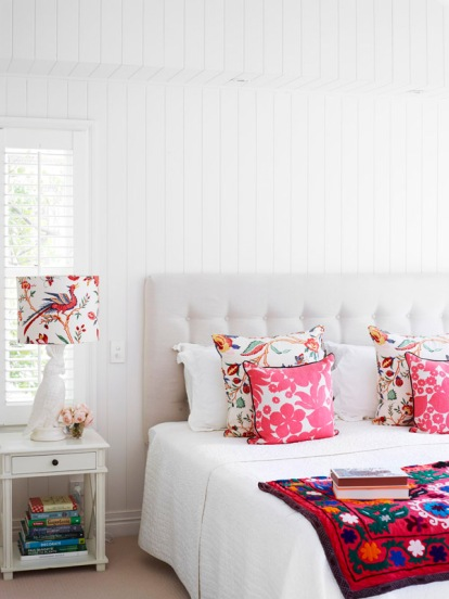 The Brisbane home of Helen and Chris Bayley - love splashes of bright colour in this white painted bedroom | via http://thedesignfiles.net/2013/06/brisbane-home-helen-and-chris-bayley-and-family/