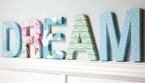 Diy fabric covered letters via ideas the design tabloid for Fabric covered letters