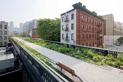 The High Line is a public urban park built on an historic freight rail line elevated above the streets on Manhattan's West Side | via http://www.thehighline.org/about/park-information