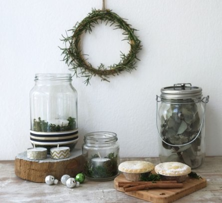 Lana also put together this natural, rustic setting - so refreshing | http://lanaloustyle.com/2013/12/get-crafty-this-christmas.html