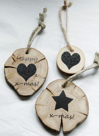 More tree trunk pendants - also from Kamer 26 | via http://www.vtwonen.nl/blog/accessoires-blog/kamer-26.html