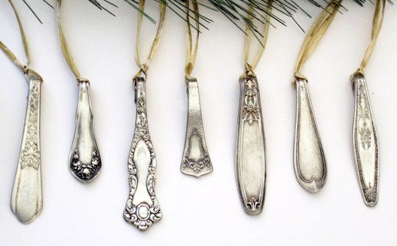 Adore these ornaments made from Vintage spoons! Too pretty | via http://www.etsy.com/listing/170708695/1800s-silver-spoon-ornaments-set-of-10?ref=related-0