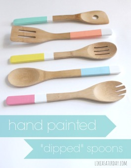 Bamboo utensils painted in pastel tones - love the addition of the white stripe!   via http://likeasaturday.com/2013/07/10/hand-painted-dipped-spoons/
