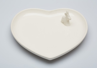Adorable white ceramic plate with a cute little bunny by Xoologee. Available through 5rooms.com | via http://www.5rooms.com/xoologee-heart-plate-with-bunny-15782.html