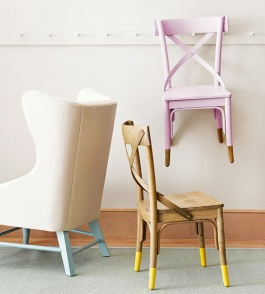 These paint-dipped piece were originally featured in Better Homes and Gardens | via http://littlegreennotebook.blogspot.com/2011/08/dipped-legs.html