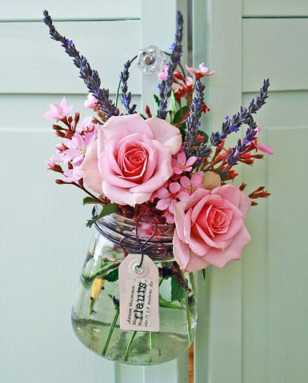 Perfect for gifting - a small selection of flowers in a glass jar - complete with gift tag and handle for hanging! | via https://www.flickr.com/photos/22123416@N00/4526565879/