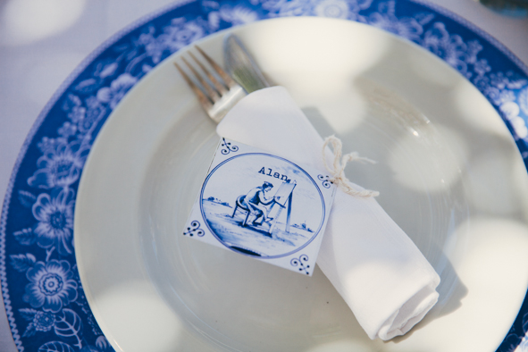A beautiful shot of the Delft placemat Sera used as part of her stunning wedding reception table setting | Photography: Stephanie Veldman