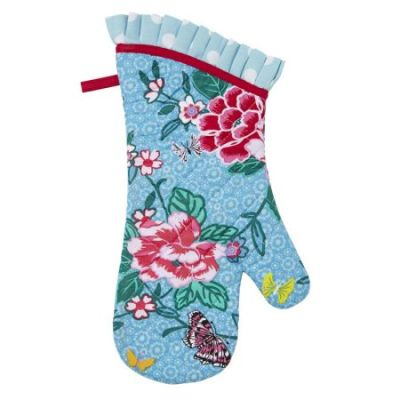 Isn't this the happiest oven glove you have ever seen?! The Susie Oven Glove with it whimsy floral print design can be purchased through Yuppiechef for only R139.00! | via http://www.yuppiechef.com/ulster-weavers.htm?id=13180&name=Ulster-Weavers-Susie-Oven-Glove
