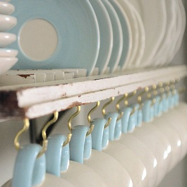 Decor-Quick-Tips-Shutter-Dish-Rack-1