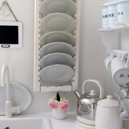 Decor-Quick-Tips-Shutter-Dish-Rack
