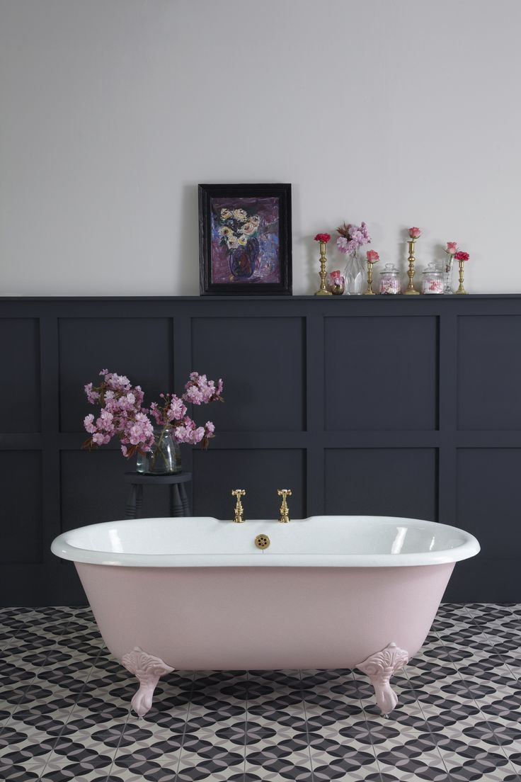 Dusty Pink Cast Iron Bath
