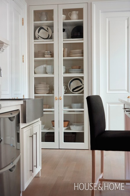 Glass Display Cabinets in the Kitchen – The Design Tabloid