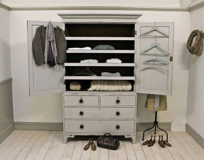 Linen Press with pull-out shelves - inside.