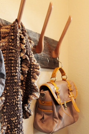 http://www.alittleglassbox.com/2011/11/pinterest-inspiredproject-complete.html