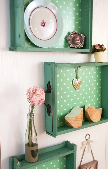 Decorating Quick Tip | Old Drawer Turned Wall Storage