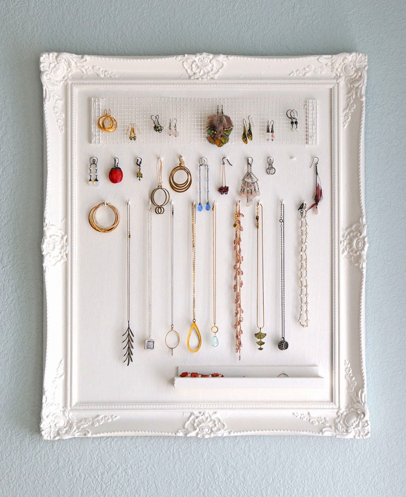 Decorating Quick Tip | Old Picture Frame Turned Jewellery Organizer