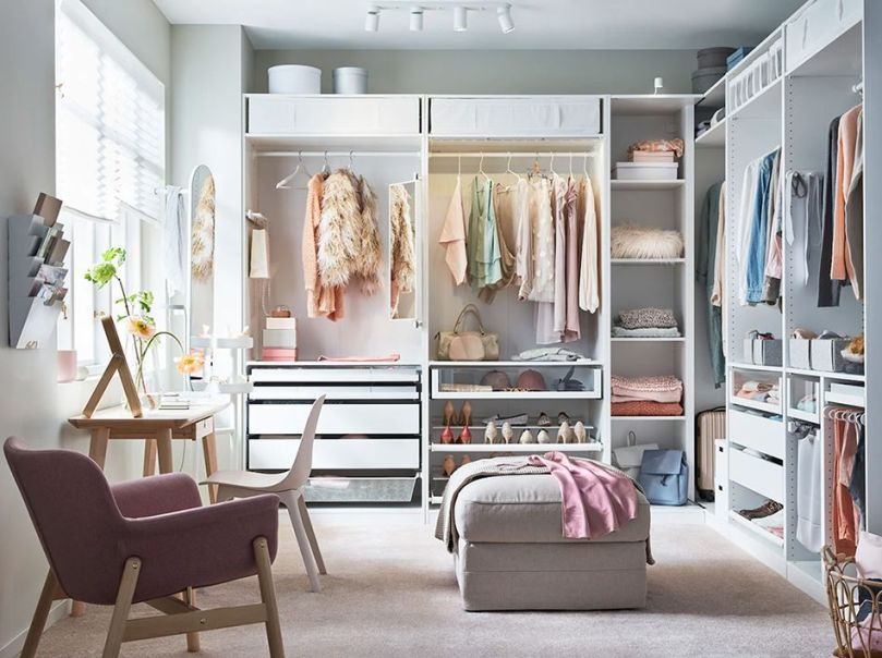 10 Drool-Worthy Luxury Walk-in Closets
